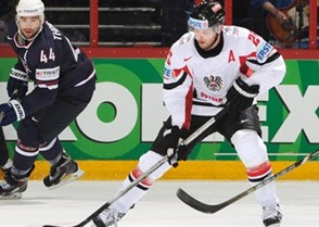 New York Islanders forward Thomas Vanek represented Austria in three IIHF Ice Hockey World Championships and also one Division I event, 2008 on home ice in Innsbruck. Photo: Richard Wolowicz / HHOF-IIHF Images